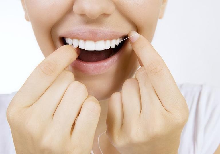 Zahnreinigung zu Hause